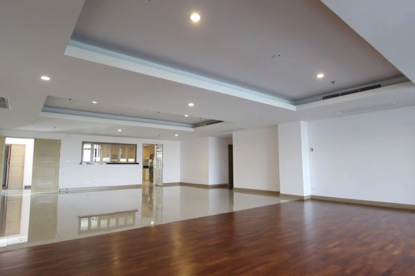 Nichada-Thani-4br-condo-0317-featured